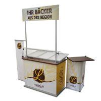 für Bäcker: Theke mit Spukschutz für ZUsatzverkauf mit Werbung und Kassentisch